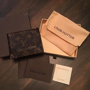 Louis Vuitton Mens Multiple Wallet